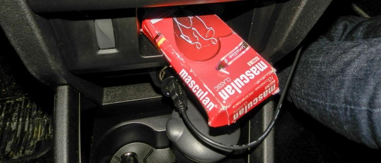 Презерватив в машине: зачем опытные водители возят контрацептив в бардачке