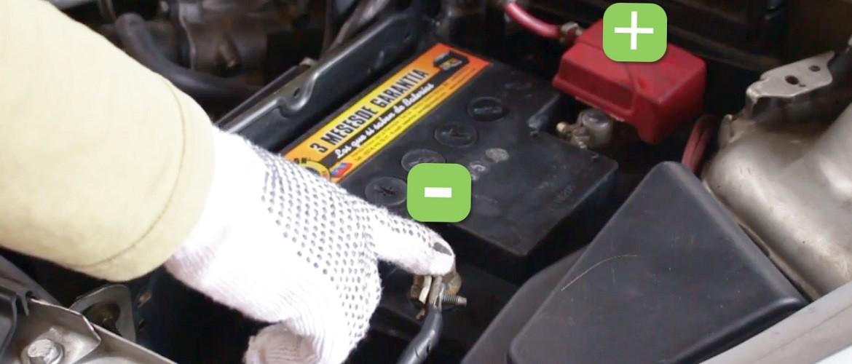 Как правильно снимать аккумулятор с машины и ставить его обратно