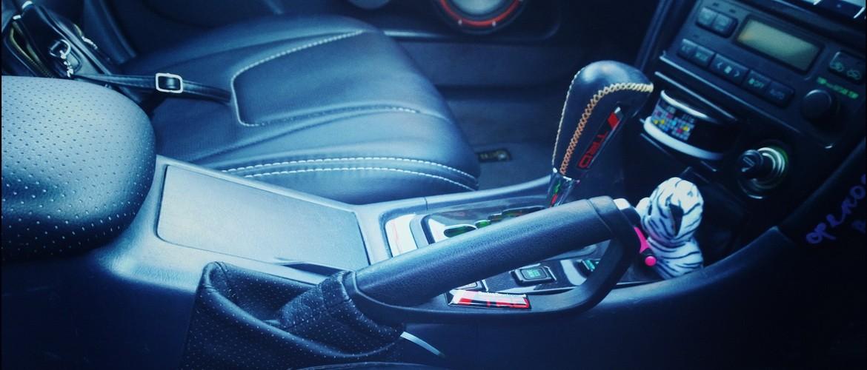 5 типичных ошибок начинающих водителей при использовании ручника