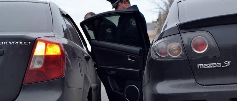 Кто виноват, если водитель открыл дверь, а в неё врезался другой водитель