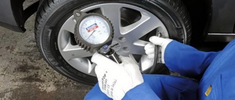 Какое давление в шинах автомобиля должно быть
