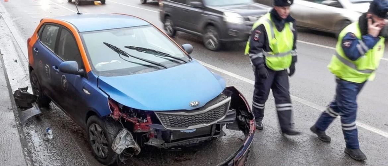 В Москве увеличилось количество аварий с каршеринговыми автомобилями