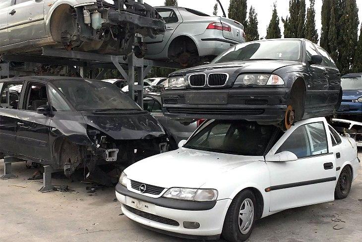 Как продать машину на разборку правильно