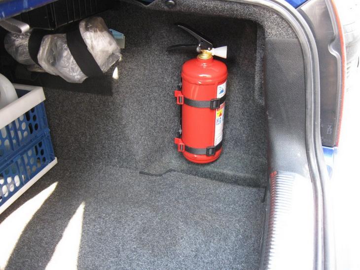 Какой огнетушитель лучше для автомобиля